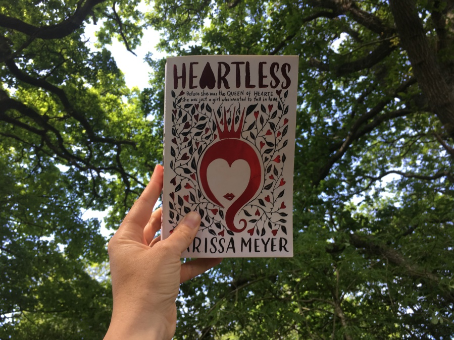 Review Heartless Marissa Meyer Author Lorraine Ambers Fantasy romance YA