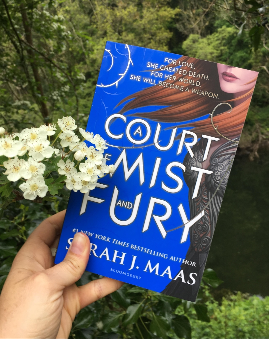 A court of Mist and Fury Fantasy Romance Author