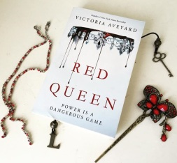 Red Queen by Victoria Aveyard YA Fantasy Romance Novel