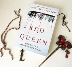 Red Queen by Victoria Aveyard YA Fantasy Romance Novel