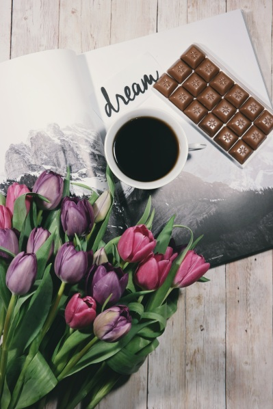 flowers-coffee-chocolate-dream