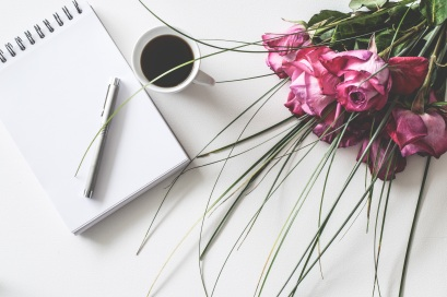 Notepad-coffee-flowers-writer